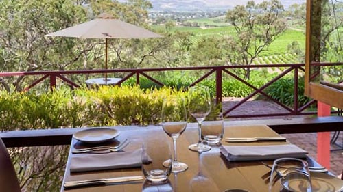 d'Arry's showcases the best of local and seasonal produce complemented by their wine portfolio.